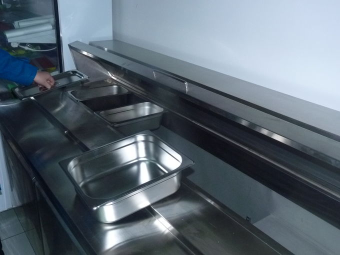 Salad Pizza Prep Under Counter Refrigerator For Restaurant With 2 Doors